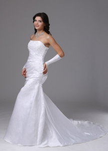 Romantic Wedding Dress Strapless Lace Mermaid Brush Train