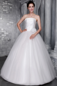 Hand Made Flower Wedding Dresses Ruching Ball Gown