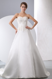 Satin Appliques Beading Wedding Dress Sweetheart Court Train