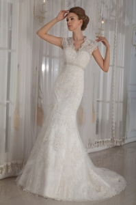 V-Neck Lace Appliques Wedding Dresses Mermaid Beading