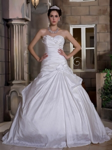 Sweetheart Court Train Taffeta Hand Made Flowers Wedding Gowns
