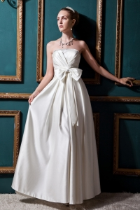 Strapless Wedding Dress Floor-length Taffeta Beading and Bows