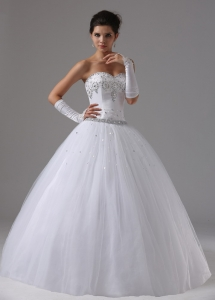 Ball Gown Wedding Dress Sweetheart Neckline Beaded Bust