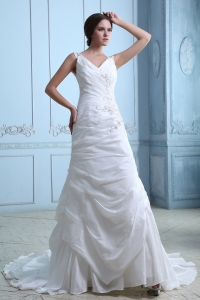 Beautiful V-neck Court Train Taffeta Ruch Wedding Dress Appliques