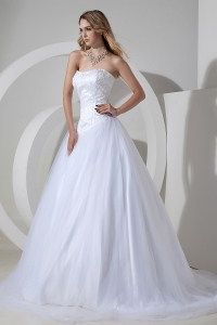 Sweetheart Tulle Wedding Dress Strapless Court Train Beading