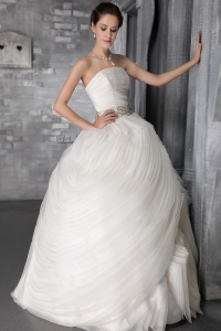 Stylish Organza Ruffles Wedding Dress Strapless Floor-length