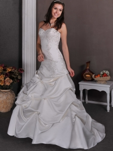Beading Wedding Dress Sweetheart Appliques Court Train