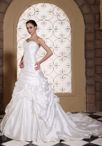 Ruched Pick-ups Sweetheart Chapel Train Wedding Dress