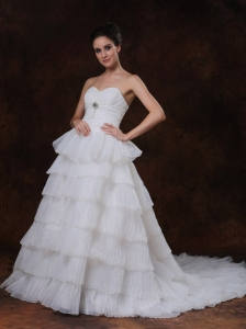 Layer Sweetheart Beading Chapel Train Wedding Dress