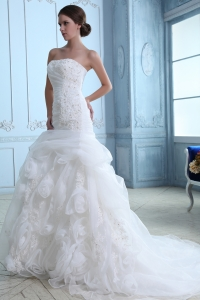 Mermaid Appliques Strapless Court Train Wedding Dress