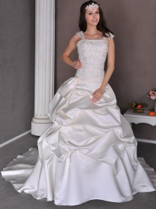 Appliqes Straps Pick-ups Chapel Train Wedding Dress