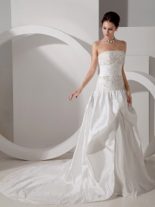 Unique A-line Strapless Court Train Appliques Wedding Dress