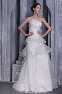 A-Line / Princess Organza Wedding Dress with Handle Flowers