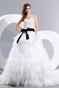 Bow and Appliques Sweetheart Tulle Layers Wedding Dress