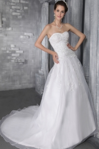 Sweetheart Court Train Organza Wedding Dress Lace