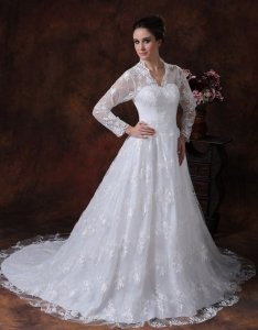 Long Sleeves V-neck Chapel Train Wedding Dress Zipper-up