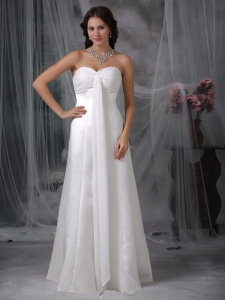Sweetheart Ruch Floor-length Satin Wedding Dress