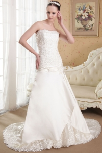 Flower Strapless Chiffon Court Train Wedding Dress Lace