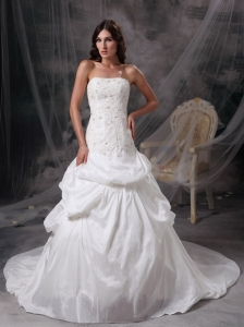 Appliques and Lace Strapless Court Train Wedding Dress