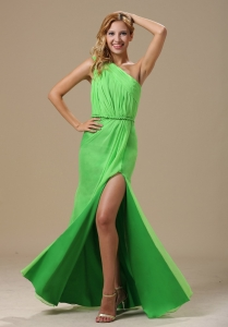 High Slit Spring Green Prom Dress One Shoulder Ruching