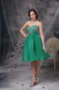 lovely Green Sweetheart Knee-length Prom Dress beaded