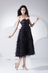 Ruffled Layers Sweetheart Neckline Tea-length Black Prom Dress