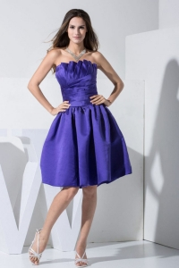 Purple Strapless Prom / Cocktail Dress Knee-length A-line Ruch