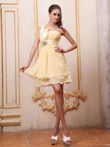 Yellow One Shoulder Chiffon Homecoming Dress Beading Mini-length
