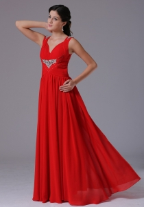 Stylish Red V-neck Prom Celebrity Dress Beading and Ruch