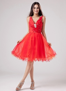 V-neck Red Sweet 2013 Prom Dress With Beading and Ruch