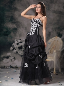 Black and White Spaghetti Straps Taffeta Beading Prom Dress