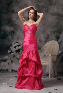Column Sweetheart Coral Red Taffeta Beading Prom Dress