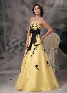 Yellow and Black A-line Strapless Organza Appliques Prom Dress