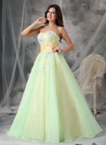 Popular A-line Sweetheart Organza Appliques Prom Dress