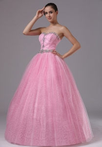 Rose Pink Quinceanera Dress Sweetheart and Beaded Decorate