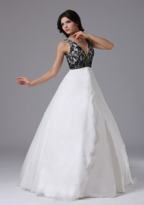 Custom Made V-neck 2013 Prom Dress With Lace and Organza