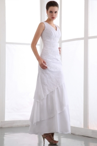 White V-neck Ankle-length Chiffon Appliques Prom Dress