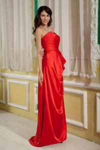 Elegant Red Column Sweetheart Satin Beading Prom Dresses