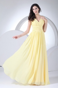 Ruching Light Yellow Chiffon V-neck 2013 Prom Dress