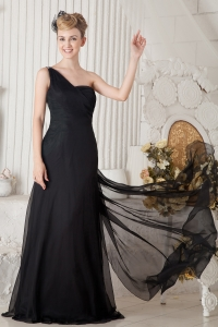 Black One Shoulder Brush Train Chiffon Ruch Beading Prom Dress