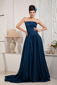 Peacock Green Strapless Court Train Ruch Prom Dress