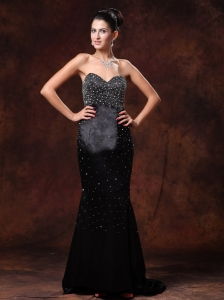 Stylish Black Sweetheart Beaded Brush Train Prom Celebrity Gowns