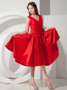 Ruched V-neck Red Dama Dresses for Quinceanera Taffeta