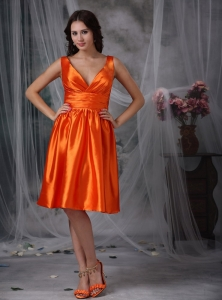 Orange Red V-neck Ruch Dama Dress for Quince Taffeta