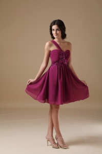 Burgundy One Shoulder Dama Dresses For Quince Beading