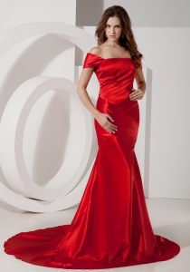 Off The Shoulder Red Ruched Celebrity Evening Dresses