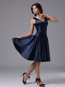 V-neck Ruch Navy Blue Short Quinceanera Dama Dress