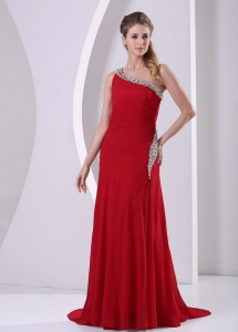 Wine Red Beaded One Shoulder Prom Celebrity Dress Train