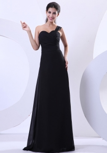 One Shoulder Strap Prom Dress Black Chiffon Ruched Sheath