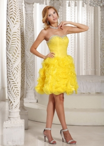 Ruffles Yellow Homecoming Dress A-line Sweetheart Beading